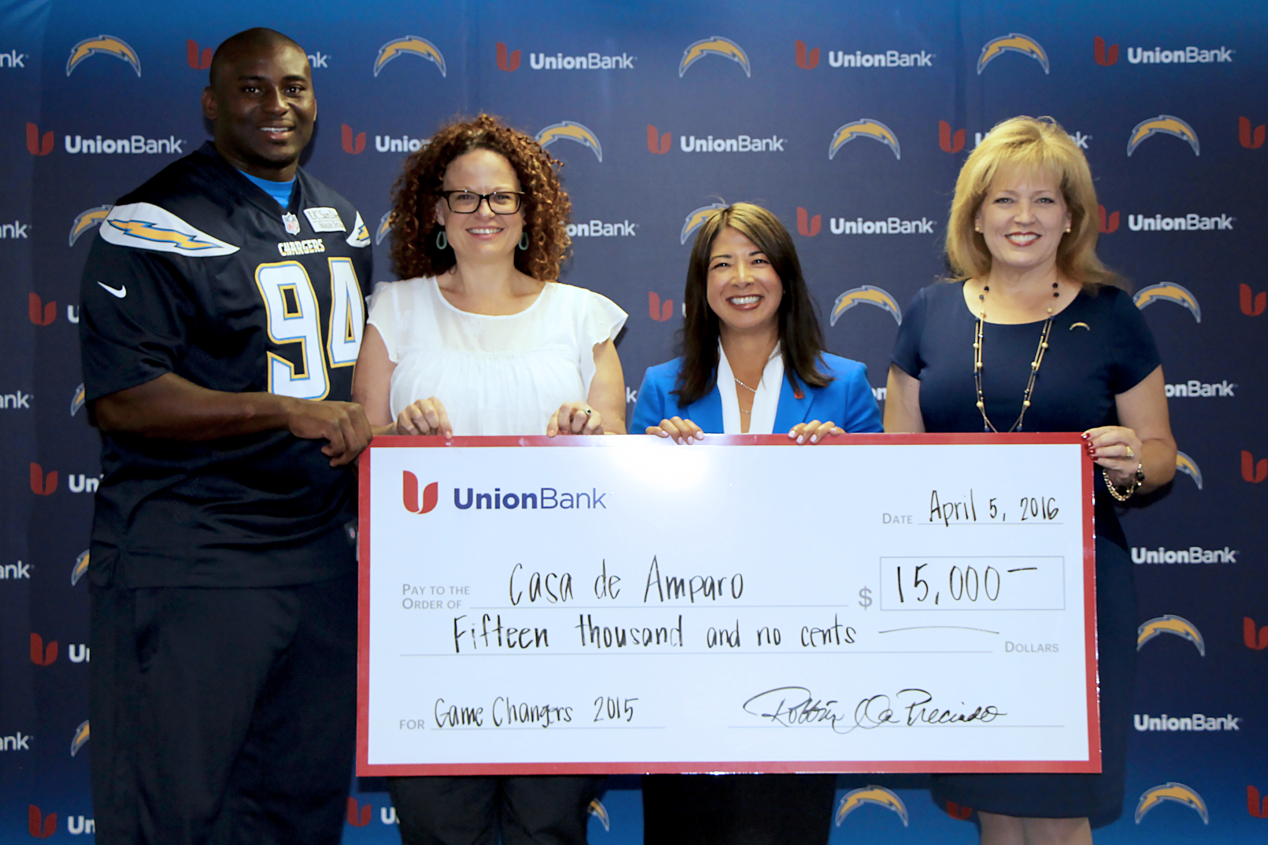 Union Bank and San Diego Chargers Donate $15 000 to Casa de Amparo