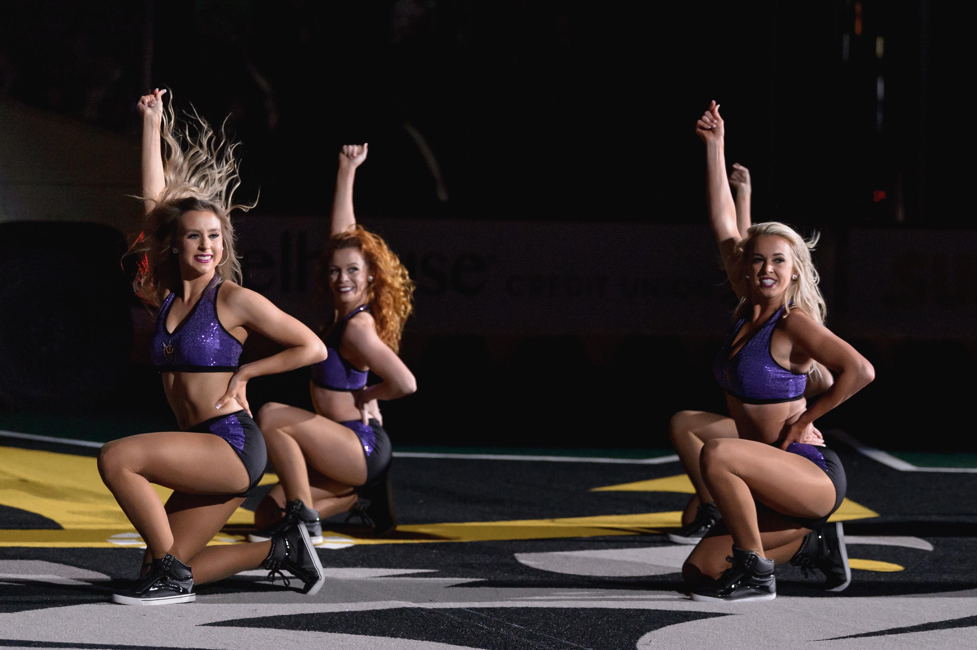 San Diego Sirens Dance Team, San Diego Seals vs TorontoRock